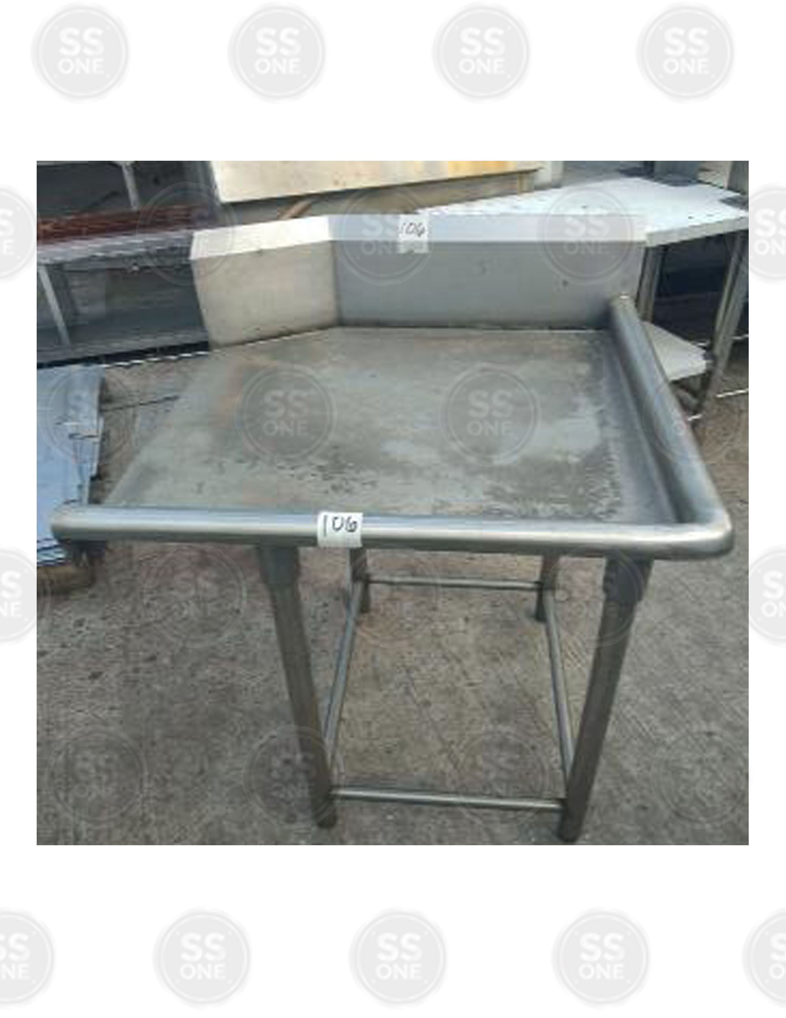 CLEAN DISH TABLE RIGHT TUBULAR UPRIGHT